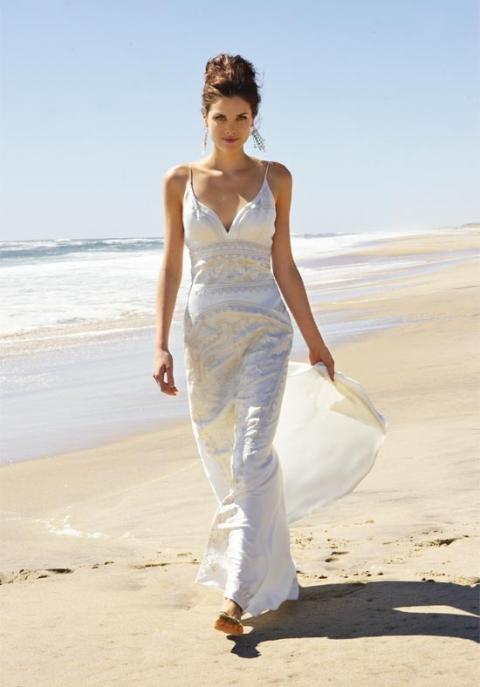 Photo :http://noclom.net/beach-wedding/simple-white-dress-for-beach-wedding.aspx