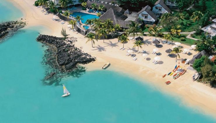 Merville_Beach,_Hotel_in_Mauritius