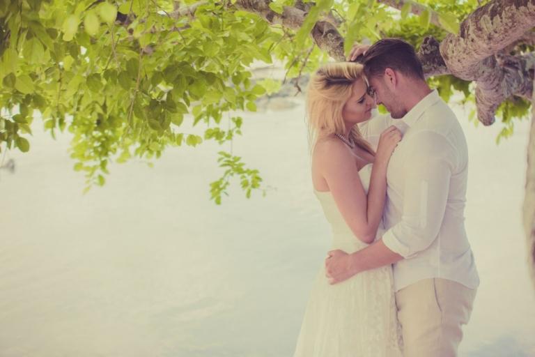 Sian & Chris Cap Malheureux Mauritius honeymooners-1000